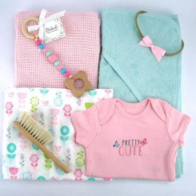 Цветен комплект за бебе момиче