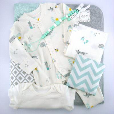 Бебешки комплект за изписване с всичко необходимо