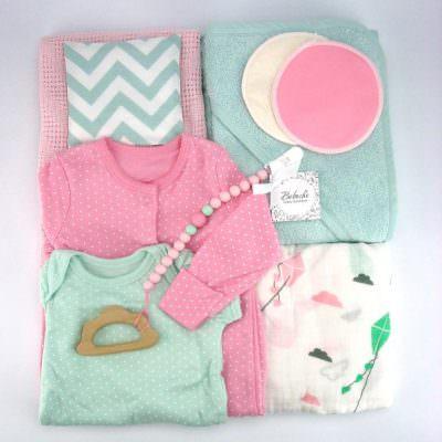 подаръчен комплект за бебе момиче