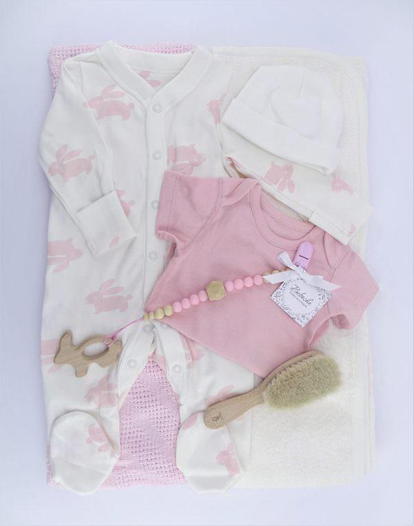 Подаръчен комплект за погача на бебе момиче